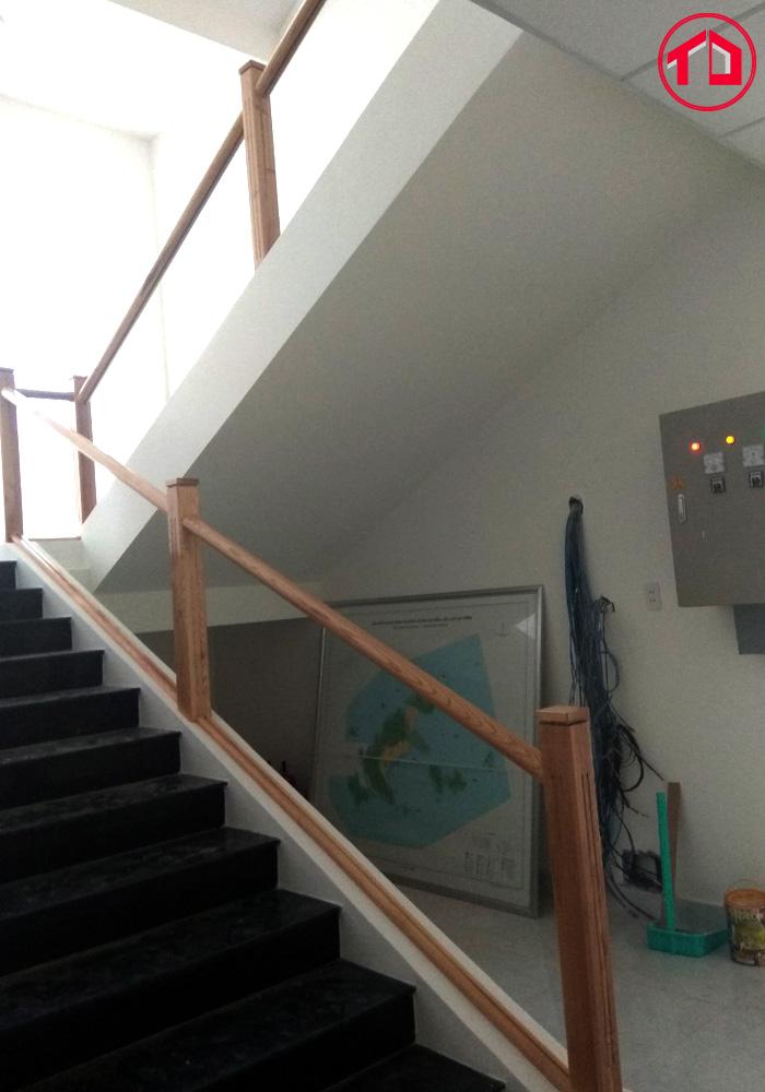 phù hợp với thiết kế nội thất hiện đại, mang nguồn sáng đến các tầng.