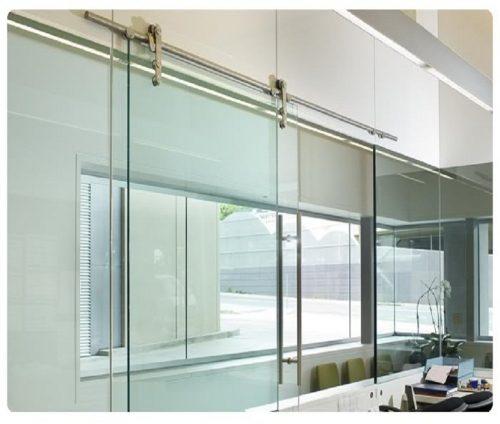cửa kính lùa phù hợp với thiết kế không gian hẹp như phòng tắm, phòng làm việc giúp đóng mở tiện dụng nhưng vẫn đảm bảo an toàn tuyệt đối. Phụ kiện bảo hành trên 2 năm.