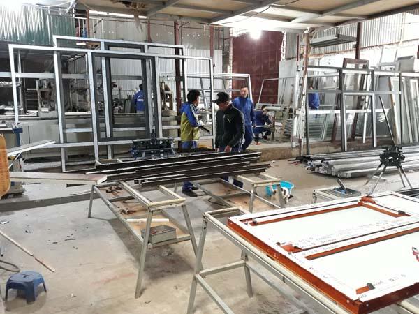 Xưởng sản xuất nhôm xingfa, kính cường lực