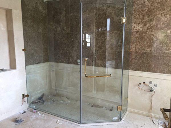 3 bộ phòng tắm kính cho các phòng