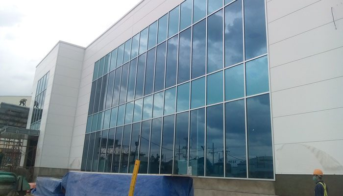 Tường kính mặt dựng cho tòa nhà, showroom, văn phòng công ty...