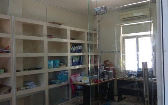 Mẫu vách cửa kính lề sàn 1 cánh thi công cho văn phòng công ty Hóa An ở KCN Đông Xuyên, Tp Vũng Tàu.