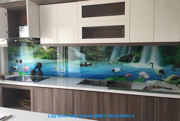 Với hơn 20 mẫu tranh kính ốp bếp phong phú màu sắc phù hợp với không gian bếp nhà bạn.