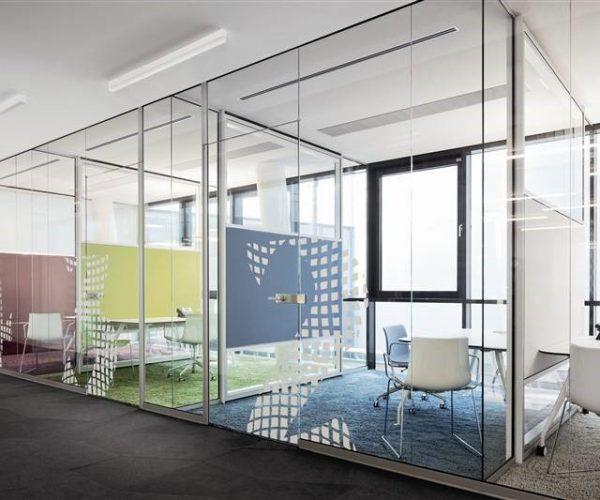 Lắp vách ngăn kính văn phòng công ty hiện đại sang trọng...  XEM NGAY >>